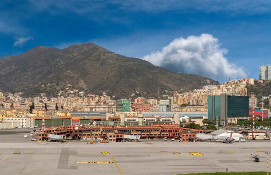הסעות מנמל תעופה בינלאומי בגנואה, איטליה   city ride - שירותי הסעות בכל מקום בעולם