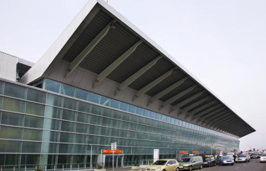 הסעות משדה התעופה הבינלאומי ורשה - בירת פולין | city ride - שירותי הסעות בכל מקום בעולם
